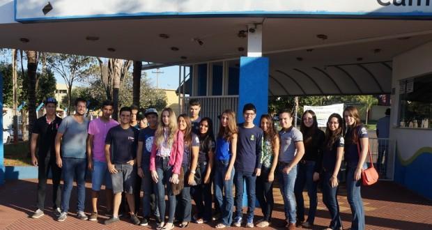 Alunos da ETEC Dr. José Luiz Viana Coutinho visitam faculdade da região